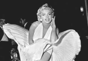 Marilyn Monroe has been the popular model turned actress who was considered as the epitome of beauty. She has one of the most bankable actresses in Hollywood and became the most popular symbol because of her charm and grace. On July 13th 1962, photographer George Barris created history when he captured the timeless beauty Marilyn Monroe in his camera, which turned out to be the diva's last photo shoot. Three weeks after this photoshoot, Marilyn was found dead in her apartment in Los Angeles. Here's a look at Marilyn Monroe's last photoshoot along with her quotes- India Tv