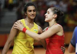 In the true sportsman spirit, SIndhu hugged her competitor at the court.