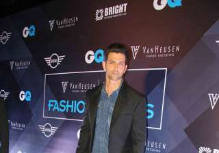 Hrithik Roshan looked uber cool semi-casual look and chose to show his denim love at the event.