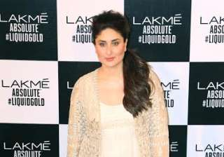 Kareena has broken many stereotypes during the time of her pregnancy. Along with her decision to continue her work, the lady gave many steal worthy looks. She will soon resume the shooting of Rhea Kapoor's 'Veera Di Wedding' alongside Sonam Kapoor.