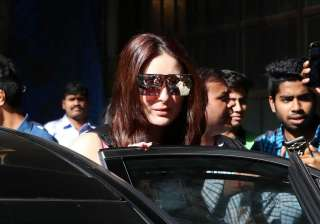 Kareena Kapoor looked gorgeous. It seems that after giving birth to her son Taimur Ali Khan, her beauty has enhanced. Babo's love for sunglasses is quite evident in the picture. The lady who appeared on celebrity talk show 'Koffee With Karan' will soon resume the shooting of Rhea Kapoor's 'Veera Di Wedding'.
