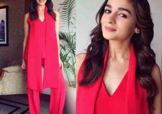 Alia and Varun took everyone's breath away while their promotional visit to various cities and the gorgeous actress is setting a fresh fashion trends in glamorous outfits.