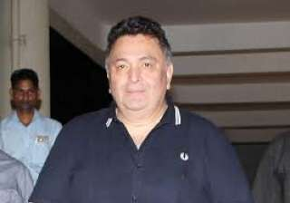 Rishi Kapoor was spotted in a causal avatar and he totally scored points for his cool black shoes