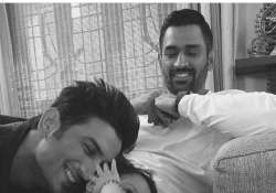 Baby Ziva playing with Sushant Singh Rajput as daddy Dhoni