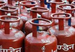 Price of non-subsidised LPG cylinder hiked- India Tv