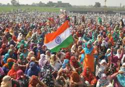 Huge number of women join the Jat agitation at Jasia- India Tv