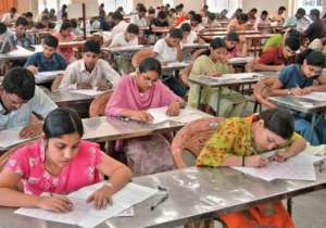 SC again declines to modify NEET order, medical test on May 1- India Tv