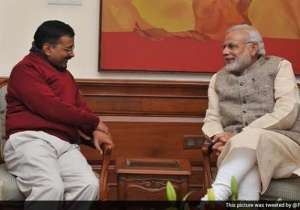 Arvind Kejriwal with PM Modi- India Tv