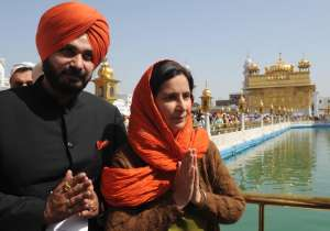 Navjot singh sidhu with his wife- India Tv