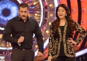 Salman Khan with Juhi Chawla- India Tv