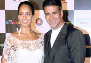 Akshay Kumar and Lisa Haydon- India Tv