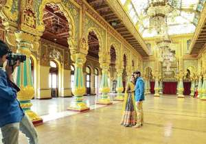 Pre-wedding photo shoot inside Mysore Palace- India Tv