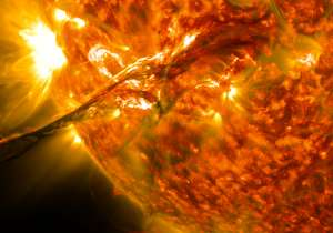 Solar storms brought life on Earth - India Tv