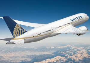 United Airlines faces criticism for barring girls 'wearing- India Tv