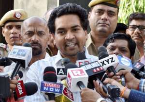 Kapil Mishra takes a dig at Arvind Kejriwal- India Tv