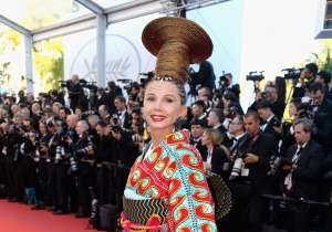 Spanish actress Victoria Abril's tribal inspired look was a total nay.