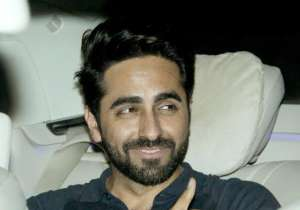 Ayushmann looked suave as he gave thumbs up to the paparazzi.