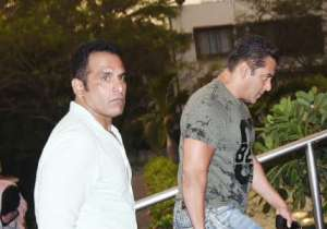 Salman was spotted wearing a green t-shirt and blue denims.