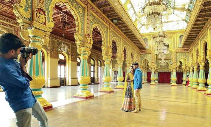 Pre Wedding Photo Shoot Inside Mysore Palace Lands