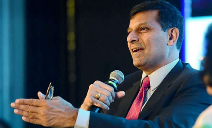 raghuram rajan resumes academic role at chicago booth school