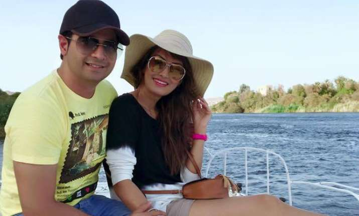 Bigg Boss 10 contestant Karan Mehra's wife clears air
