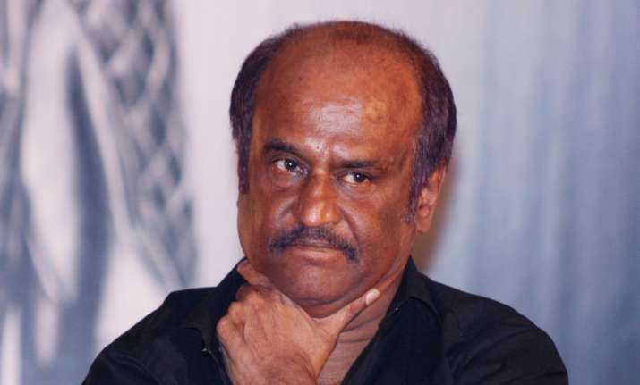 Thalaivar Rajinikanth visits hospital to enquire about
