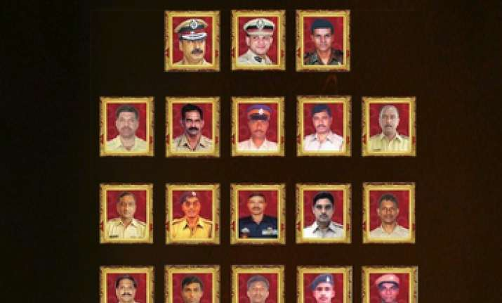 Bollywood celebrities remember braveheart martyrs of 26/11