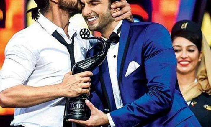 Ranveer says he isn't entering SRK's territory