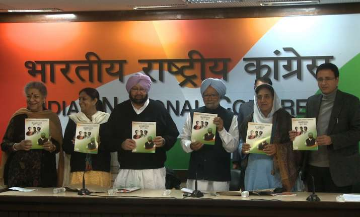 Congress manifesto released by Manmohan Singh