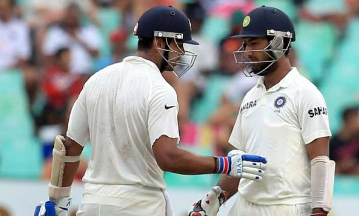 Murali, Pujara steady India (86/1 at lunch) after Rahul
