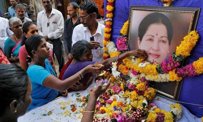 Tamilnadu Minister said every minister met Jayalalitha when she was at hospital