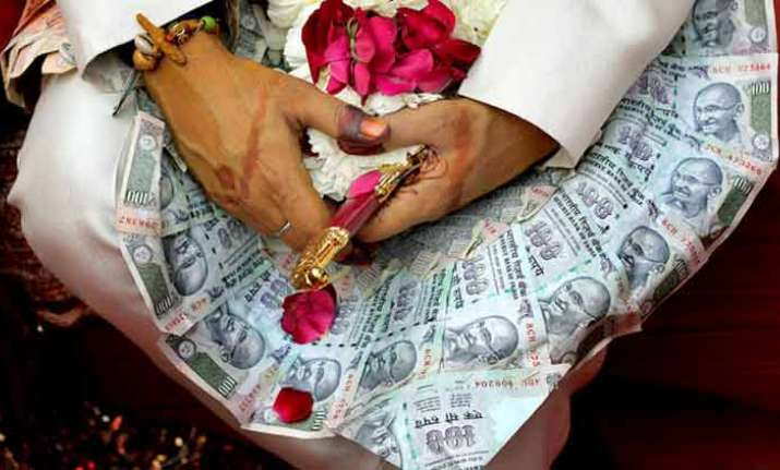 Rajasthan tea seller dishes out over Rs 1 cr dowry for six