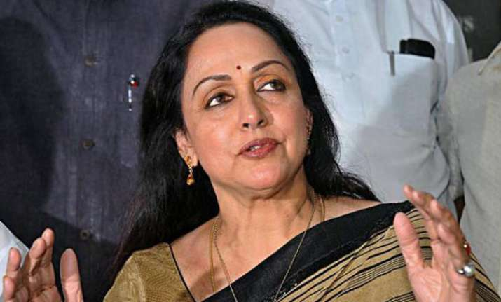 Hema Malini is a 'bumper drinker', has she committed