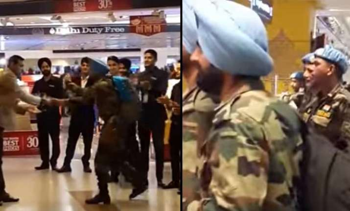 Indian Army Jawans receives a warm welcome at IGI