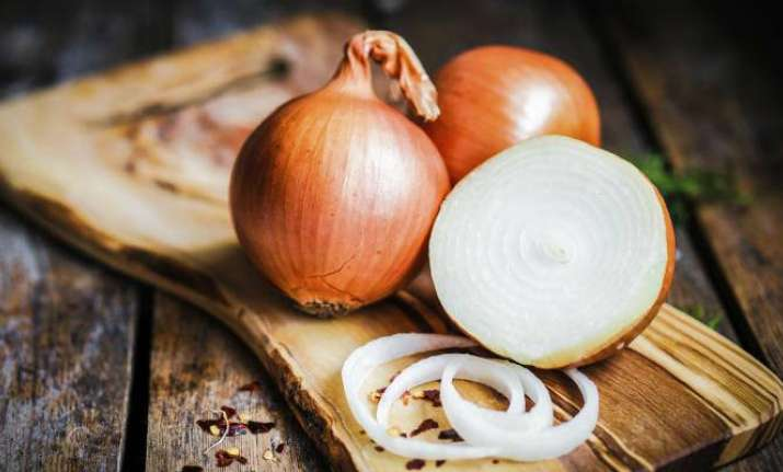 Here are 6 amazing ways to use 'Onions' as medicine!