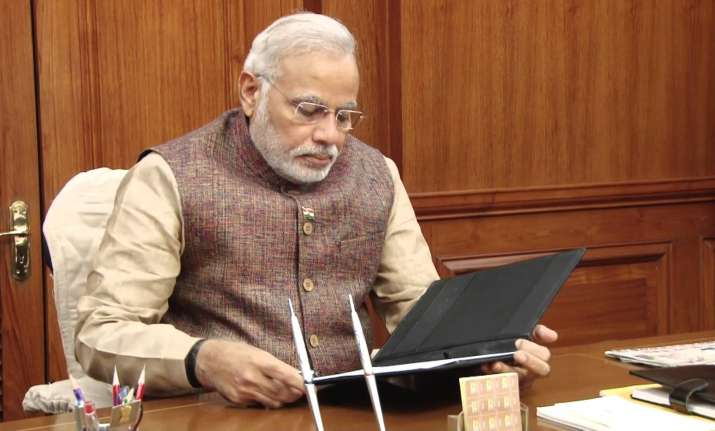 Narendra Modi, Bureaucrats, Social Media, Meetings