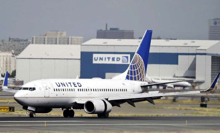 United Airlines now offers 10,000 to passengers for giving