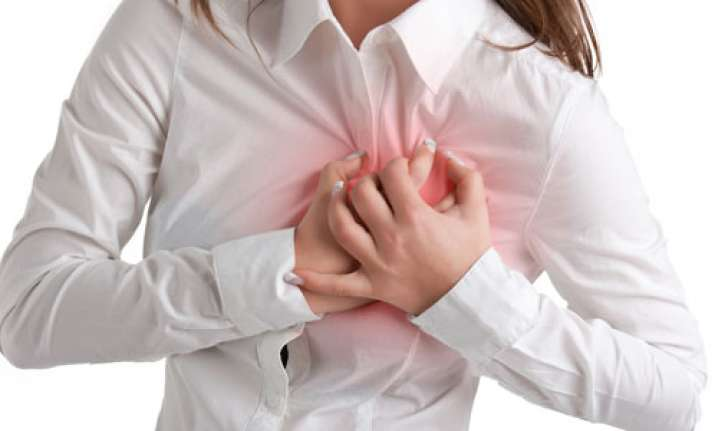 Pneumonia may increase heart attack risk, says study
