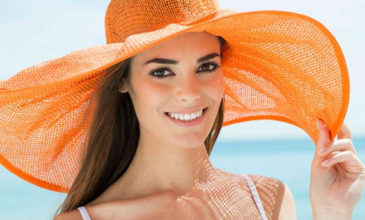 How to reverse the signs of sun damage from hair & skin