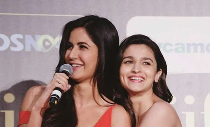 Alia Bhatt and Katrina Kaif IIFA Awards 2017