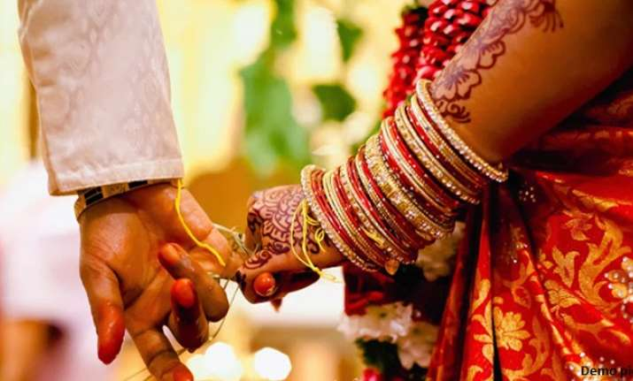 Law panel has called for making marriage registrations