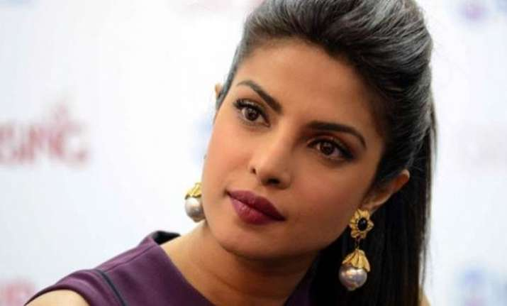 priyanka chopra trolled for lip job