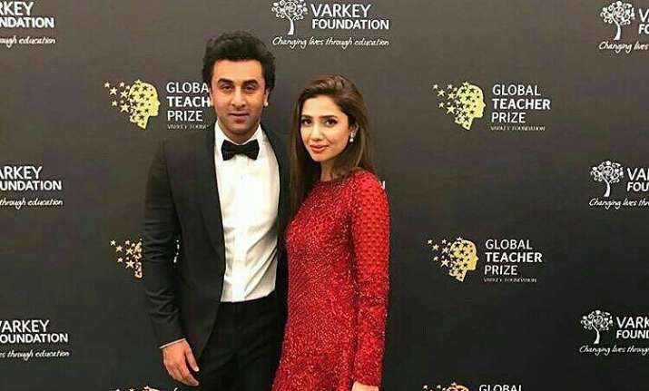 Social media goes insane over photos of Mahira, Ranbir