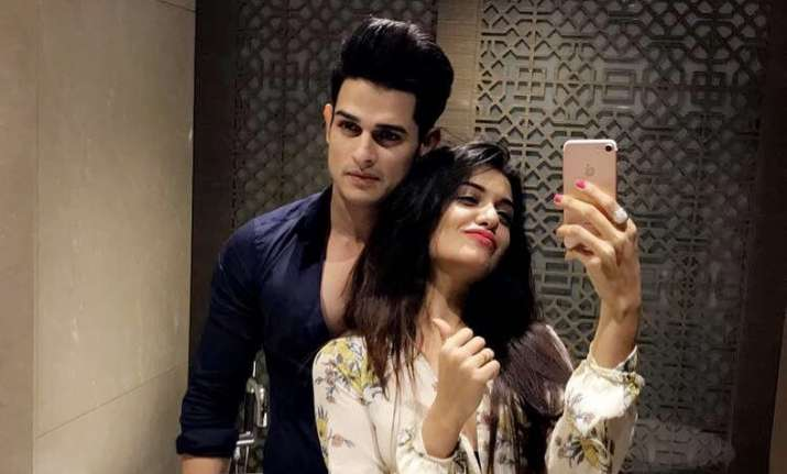 Double Fun With Priyank Sharma's Re-Entry And Pooja's Dhinchak Video