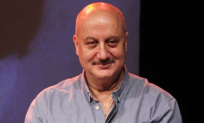 Students see 'conflict of interest' in Anupam Kher's FTII position