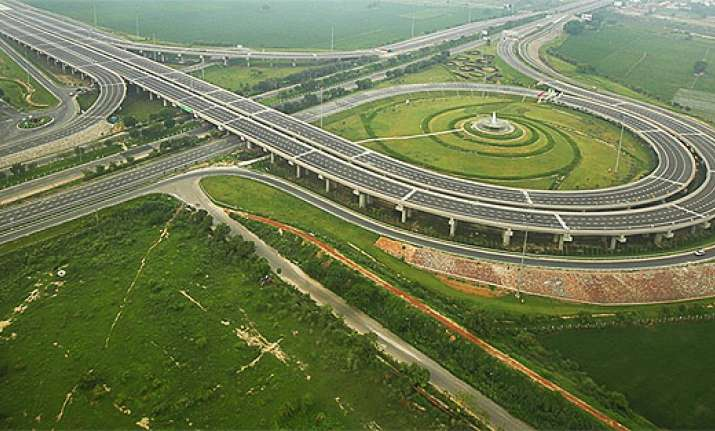 A Rs 5.35 lakh crore garland of roads to adorn India