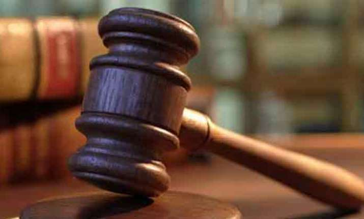 Law panel recommends life term against govt officials for