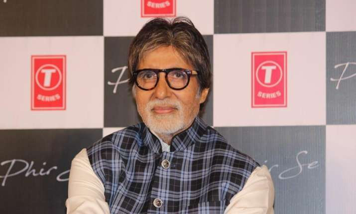 Amitabh Bachchan scores 30 mn followers on Twitter