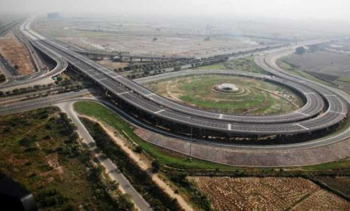 Want to sell Yamuna Expressway for Rs 2500 crore