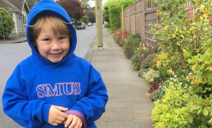 Oxford Dictionaries sends video message to Victoria boy who invented 'levidrome&#39